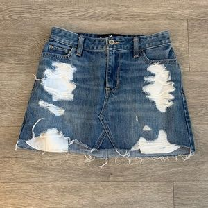 HOLLISTER ripped mini skirt